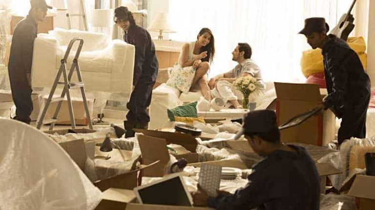 When It's Worth Hiring Professional Movers